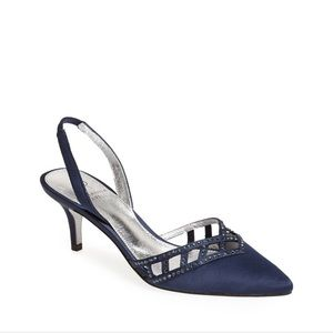 Adrianna Papell Haven Navy Satin pump in size 6